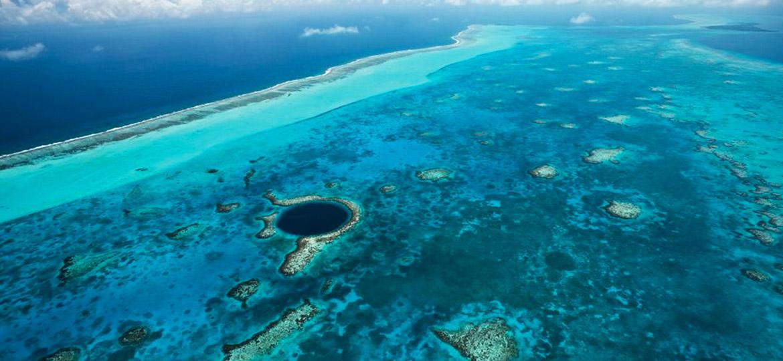 The Great Blue Hole at Lighthouse Reef - Laru Beya