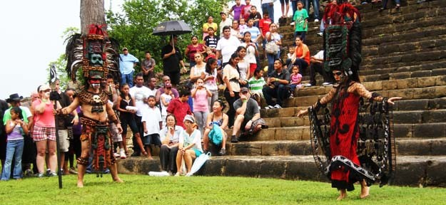 Cultural-Performance-in-Belize