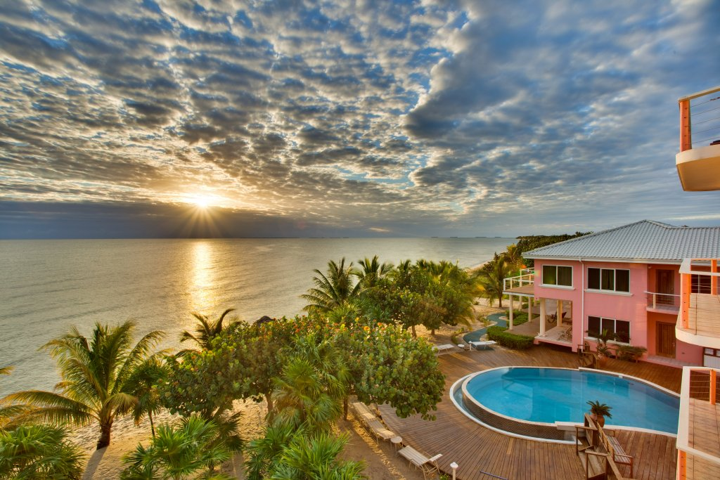 Start Planning Your Belize Christmas Vacation Today