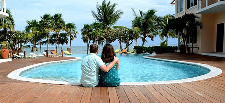 placencia-cover-couples-2