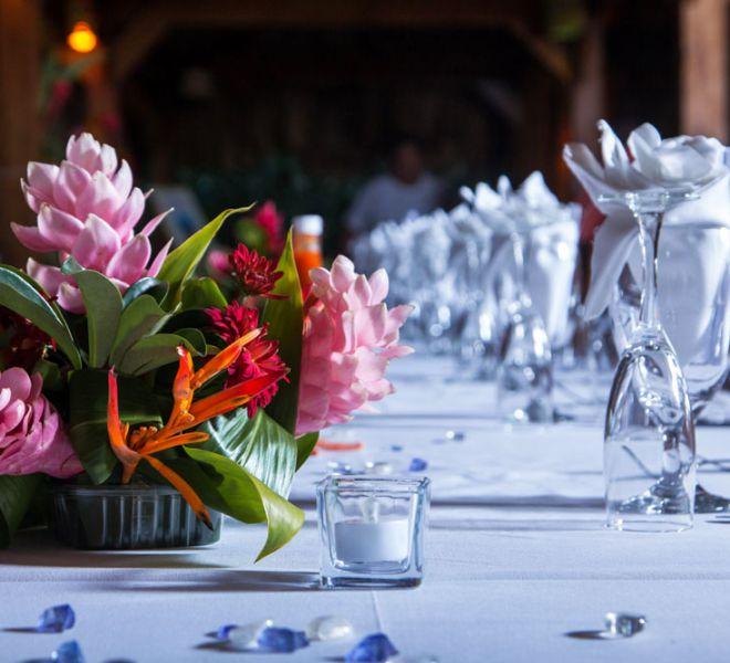 Belize Destination Wedding Guide - Place setting